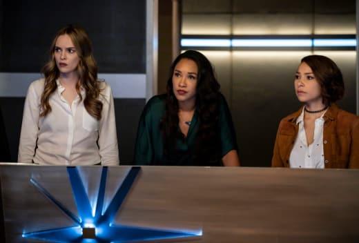 The Females of Team Flash - The Flash Season 5 Episode 10