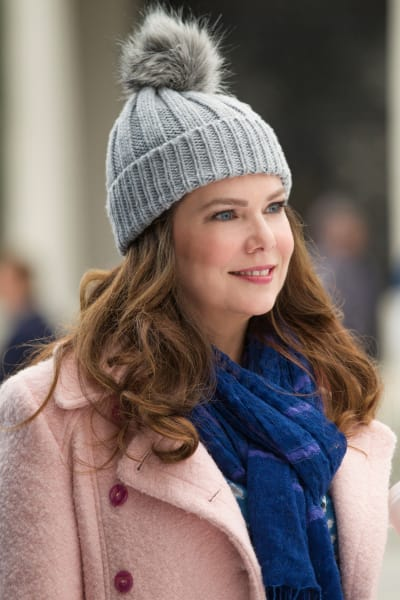 Lorelai is Keeping Warm - Gilmore Girls