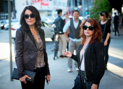 Watch Girlfriends' Guide to Divorce Season 1 Episode 9 Online