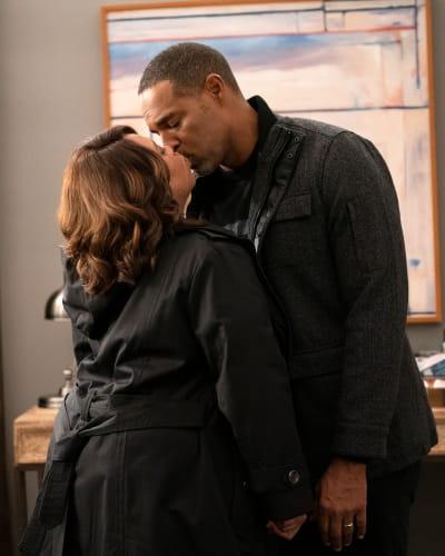 Stronger Together  - Grey's Anatomy Season 16 Episode 13
