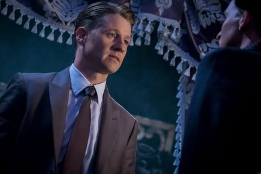 Eyes on You - Gotham Season 4 Episode 1