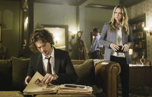 Scraps of Information - Criminal Minds Season 12 Episode 21