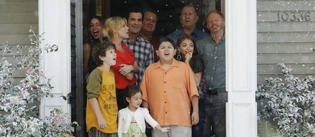 7th express christmas modern family - Modern Family Christmas
