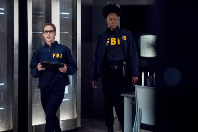 Friends With The Enemy - Arrow Season 7 Episode 3