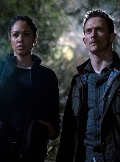 Something's In the Woods - Debris Season 1 Episode 6