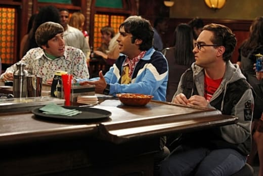 Leonard, Raj and Wolowitz at the Bar