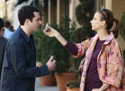 Watch Brothers & Sisters Season 3 Episode 21 Online