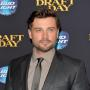 Tom Welling Books First TV Role Since Smallville!