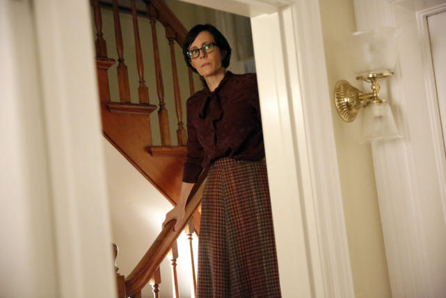 Peeking down the stairs - The Blacklist Season 4 Episode 17