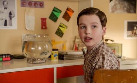 Sheldon Gets a Fish - Young Sheldon