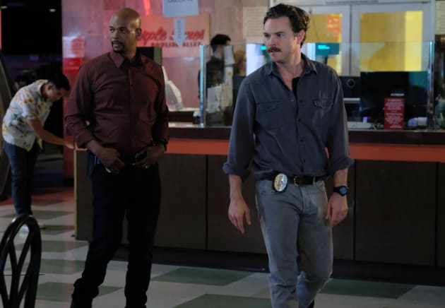 Two Dudes - Lethal Weapon Season 1 Episode 11