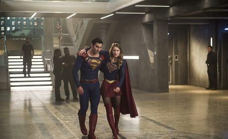 Is Kara Hurt? - Supergirl Season 2 Episode 2