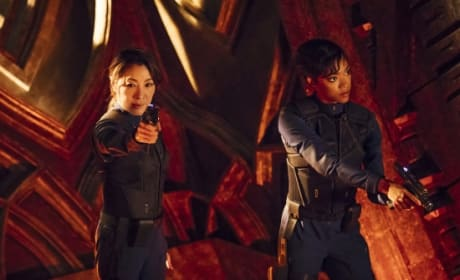 Weapons Drawn - Star Trek: Discovery Season 1 Episode 2