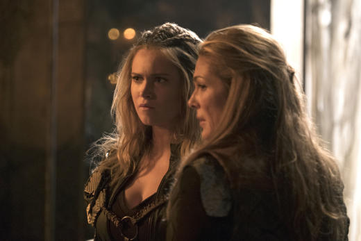Keeping the peace the 100