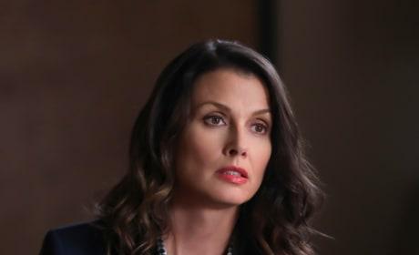 Caught in Between - Blue Bloods Season 9 Episode 4