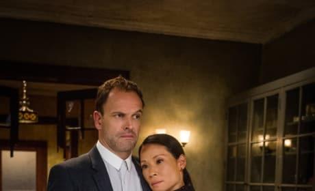 Helping Her Partner - Elementary Season 6 Episode 1