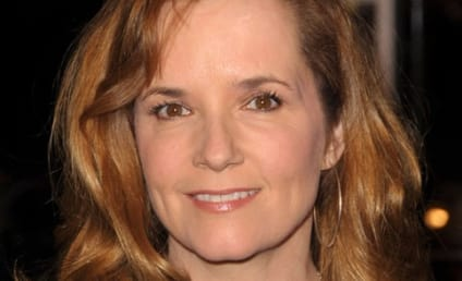 Lea Thompson Dishes on Greek Guest-Starring Stint