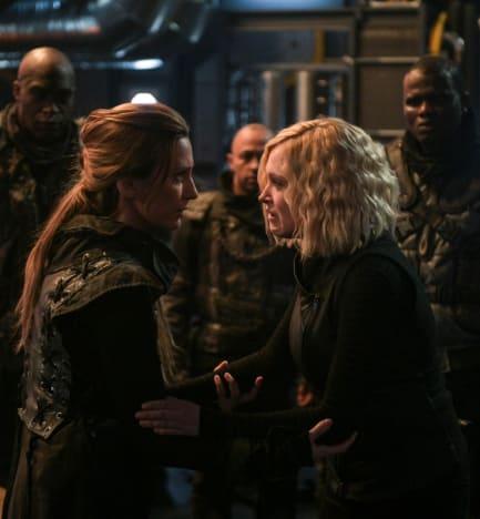 Niylah and Clarke - The 100 Season 6 Episode 13
