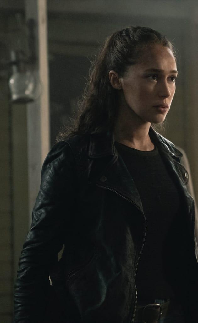 Alicia Wants Answers - Fear the Walking Dead Season 5 Episode 3