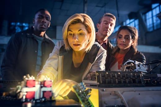 A delicate procedure - Doctor Who Season 11 Episode 1