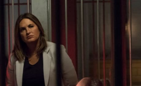 Visiting an Inmate - Law & Order: SVU Season 20 Episode 10