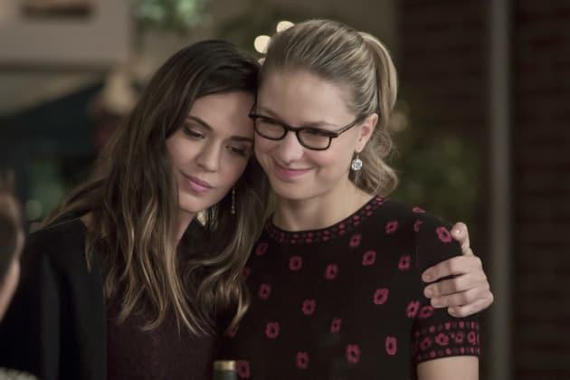 Human Friends - Supergirl Season 3 Episode 9