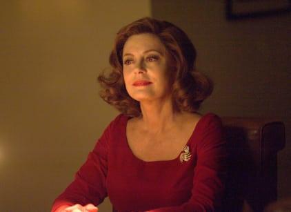 Watch FEUD: Bette and Joan Season 1 Episode 8 Online