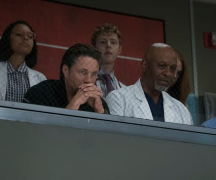Prayers for a Miracle - Grey's Anatomy Season 14 Episode 1