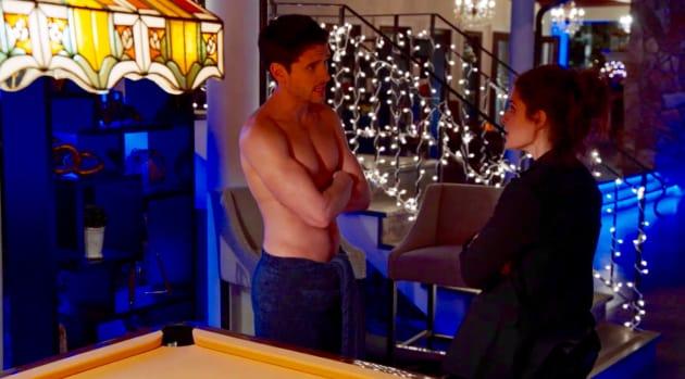 UR_303 Rachel  assures Jasper: It's all good. - UnREAL Season 3 Episode 3