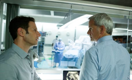 Hank Helps Boris - Royal Pains