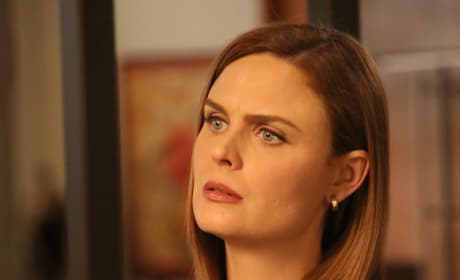 Brennan Talks With a Psychic - Bones Season 10 Episode 11