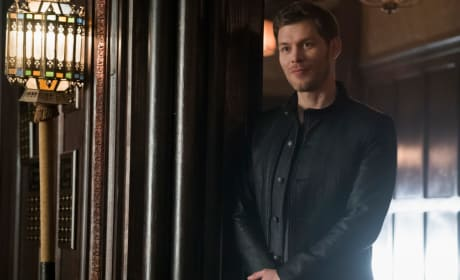 Where's My Bourbon? - The Originals Season 5 Episode 12