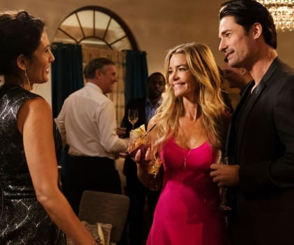 The New Girlfriend - Girlfriends' Guide to Divorce