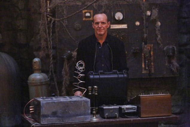 Coulson At the Ready - Agents of S.H.I.E.L.D. Season 3 Episode 2