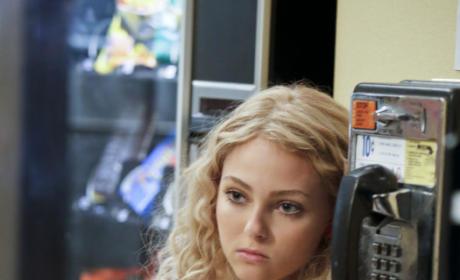 AnnaSophia Robb as Carrie