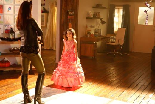 Fashion Queens - Lucifer Season 2 Episode 6