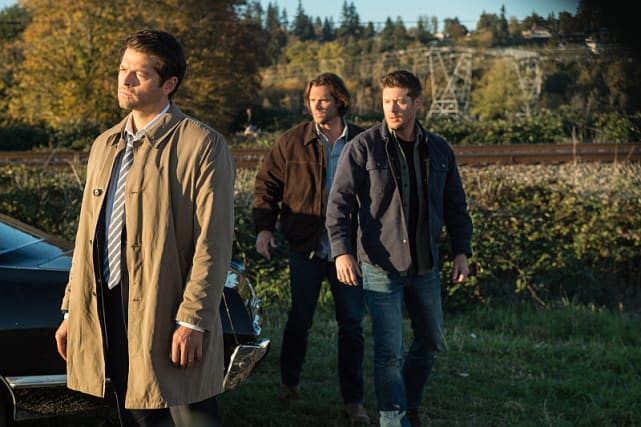 Castiel stands in the sunlight - Supernatural Season 12 Episode 8