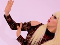 Aquaria Photobomb - RuPaul's Drag Race