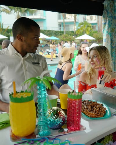 Sharing is Caring - Grand Hotel Season 1 Episode 7