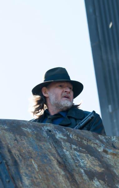 Harvey in the Fight - Gotham Season 5 Episode 11