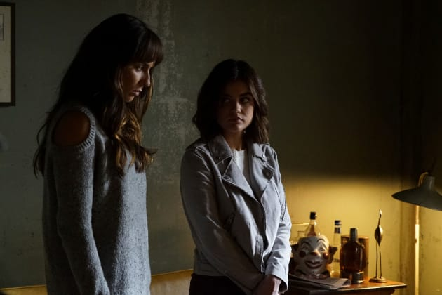 Sparia Sleuthing - Pretty Little Liars