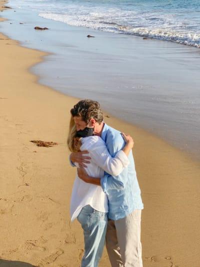 Cuddles for Ellen and Patrick - Grey's Anatomy