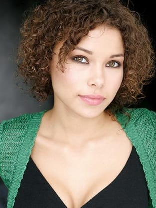 Jessica Parker Kennedy Pic