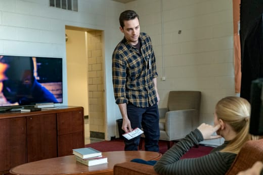 Halstead's Undercover Recon - Chicago PD Season 4 Episode 13