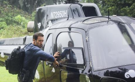 Landing for Action - Hawaii Five-0 Season 7 Episode 21