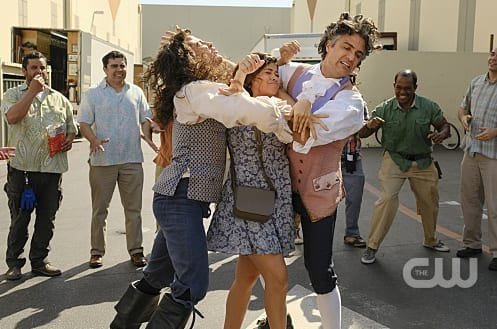 Cat Fight - Jane the Virgin 3x19