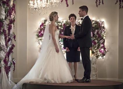 Watch Arrow Season 4 Episode 16 Online