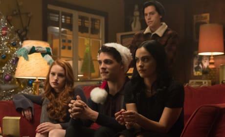 Holiday Spirit - Riverdale Season 2 Episode 9