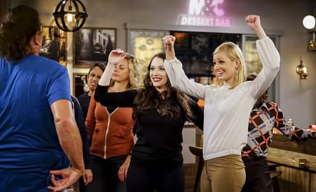 A Bouncer Will Lead Them - 2 Broke Girls