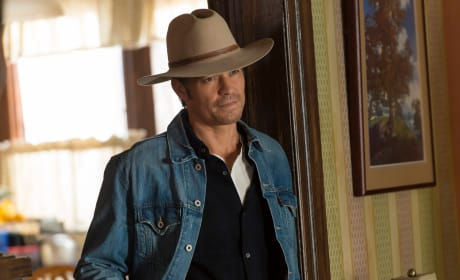 Raylan Makes an Offer - Justified